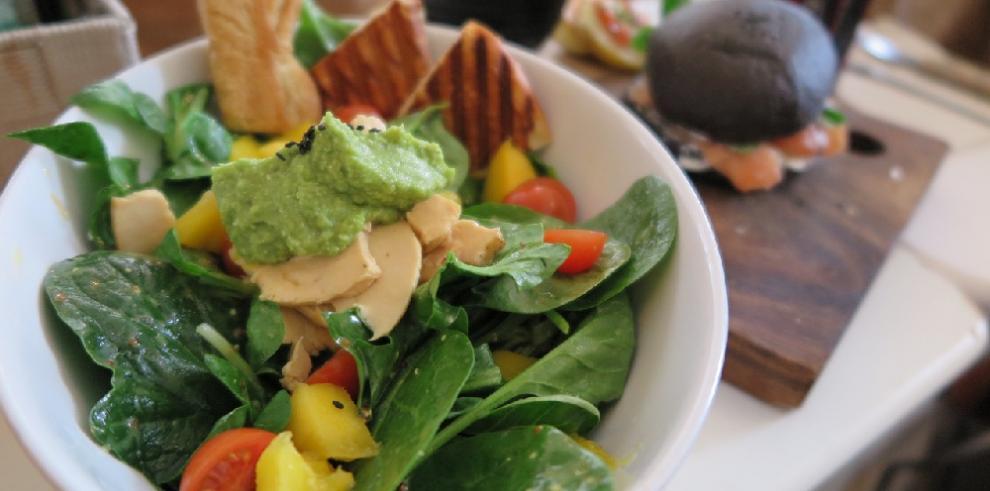 20 maneras de acompañar el aguacate en tus comidas