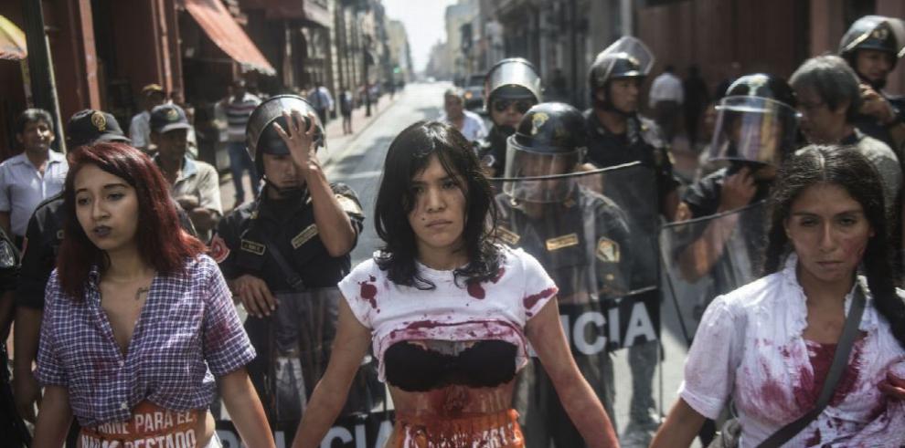 Denuncian irregularidades en comicios de Perú