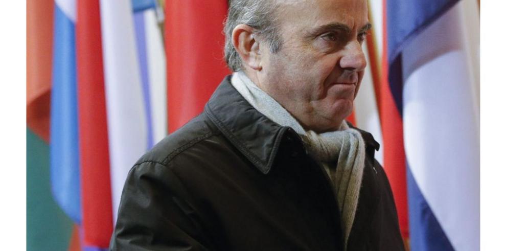 Economía española es vulnerable, Guindos