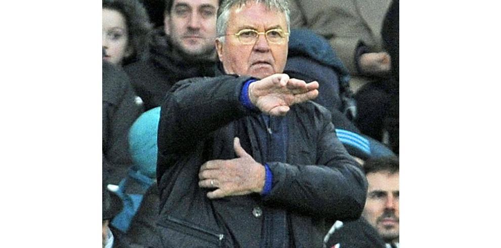 Hiddink habla del posible descenso del club Chelsea