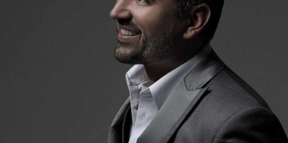 Una década en la voz de Ricardo Velásquez