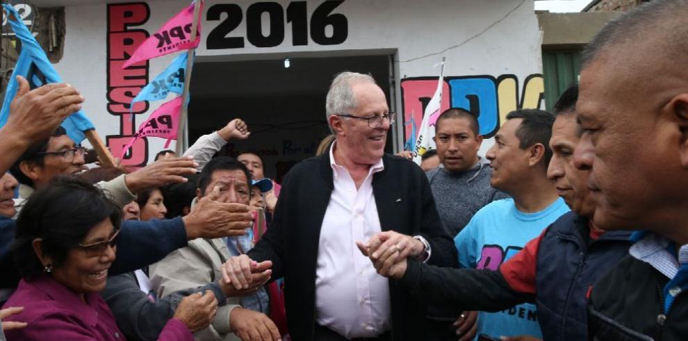 Kuczynski promete agua para todos los peruanos