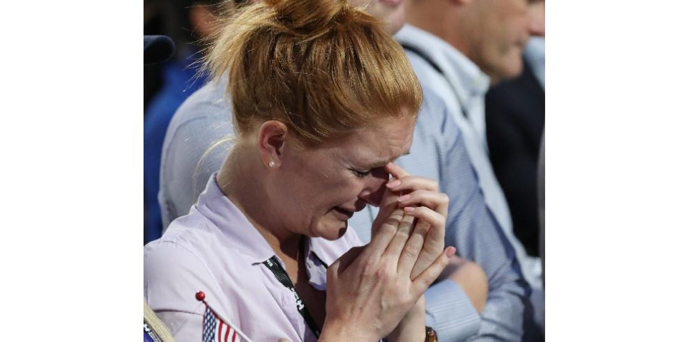 Llanto y dolor en simpatizantes de Clinton al conocer la derrota