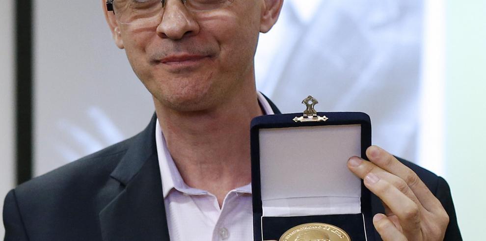 Chile premia a Pablo Montoya por retratar el conflicto social colombiano