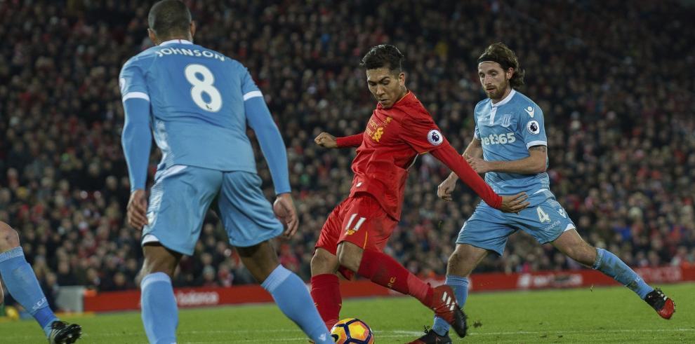 El Liverpool remonta al Stoke y recupera el segundo puesto
