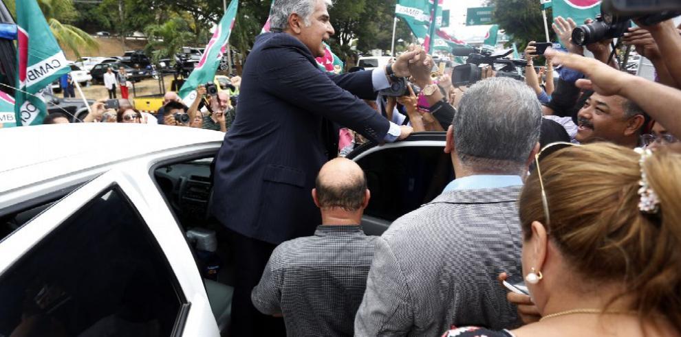 Mulino deja la cárcel y se ofrece para presidente