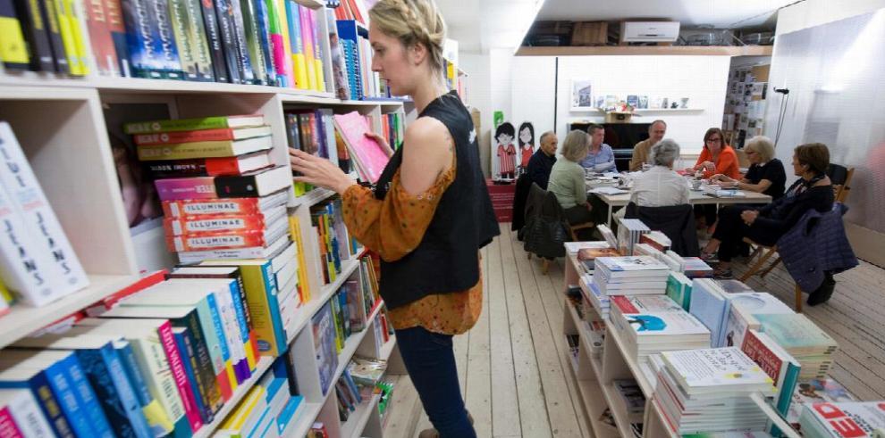 En Barcelona, unos 'locos' libreros desafían el mal momento del sector