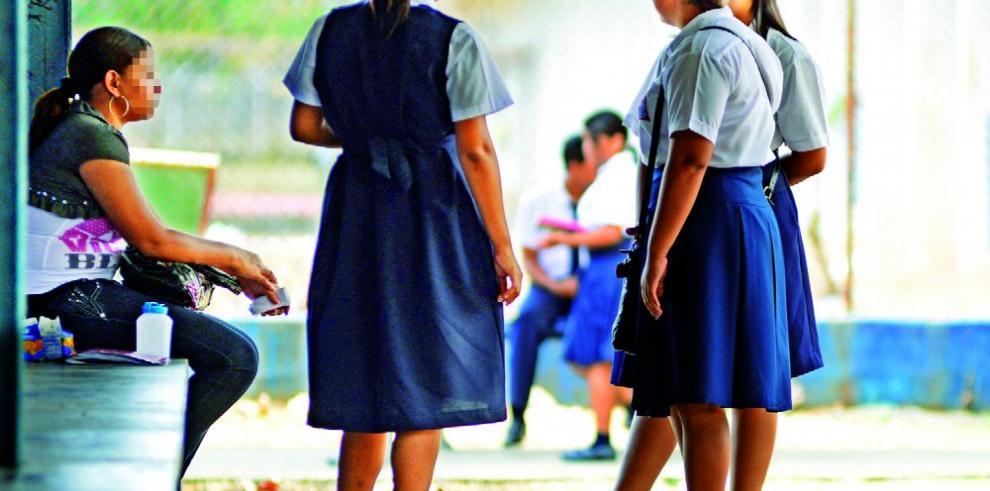 Entidades incumplen ley de adolescentes embarazadas