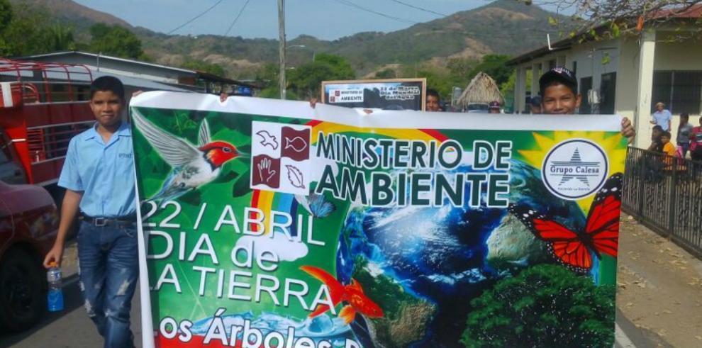 Coclesanos celebran el Día de La Tierra
