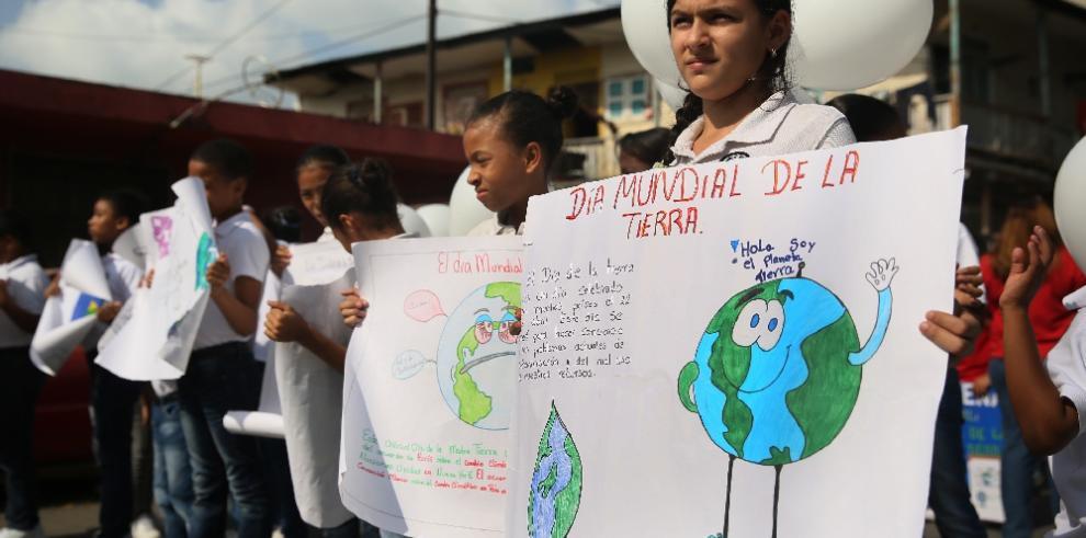 Panameños hacen un llamado al cuidado de la Tierra