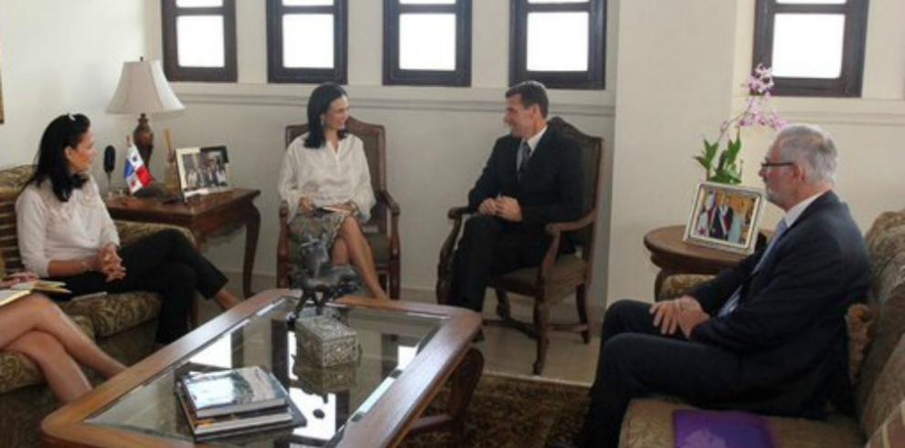 Panamá y Francia mantienen comunicación en materia fiscal