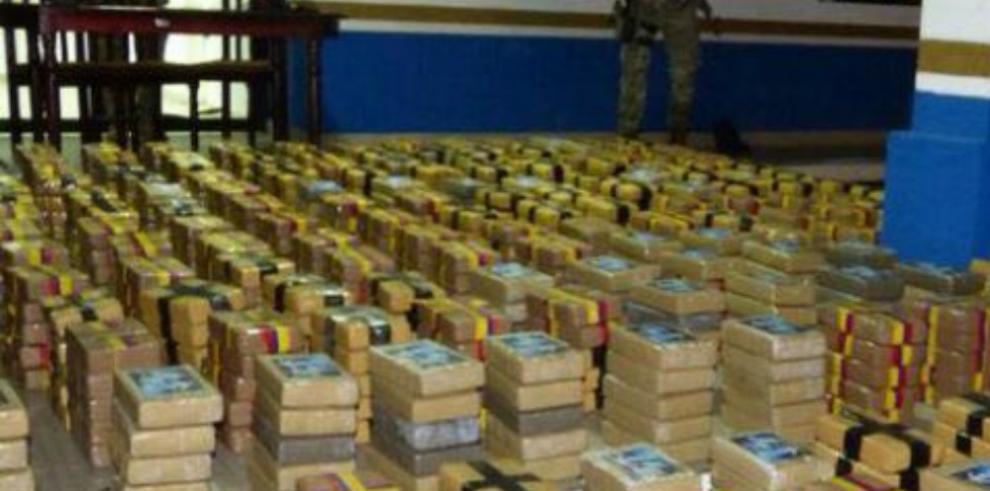 Capturan atres colombianos con 1,272 paquetes de cocaína