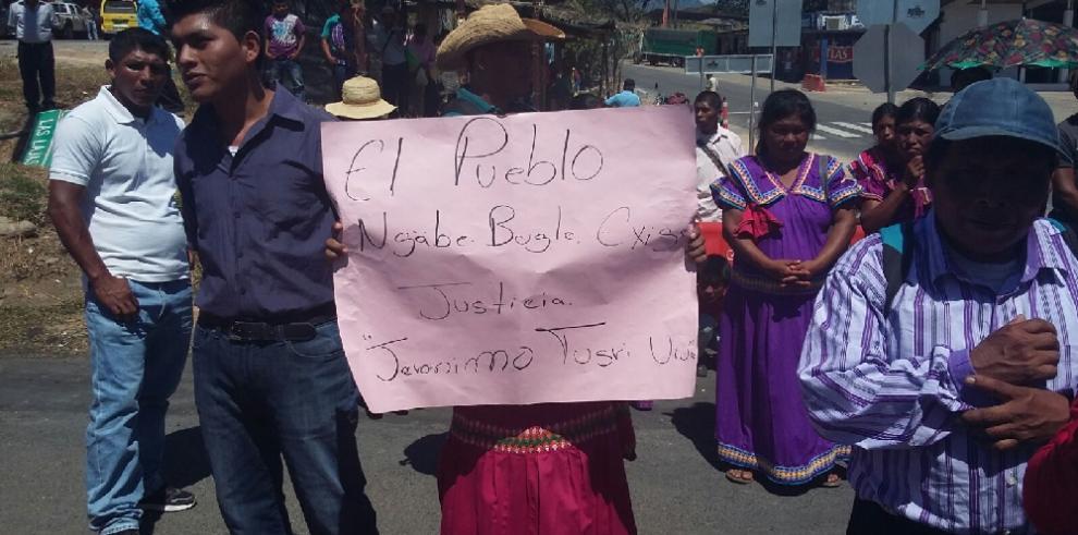 Ngäbes recuerdan a muertos en lucha contra Barro Blanco