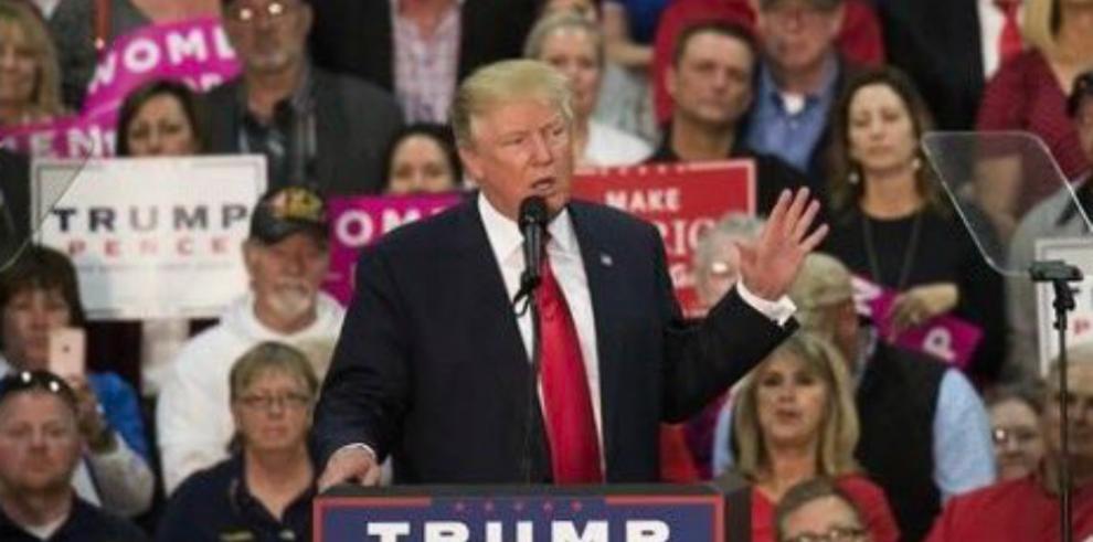 Trump aplaude a Putin por decir que Clinton perdió de manera humillante