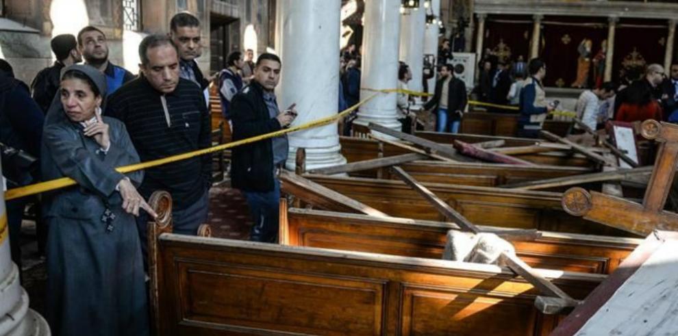 Sube a 27 las víctimas del atentado en la iglesia copta de El Cairo
