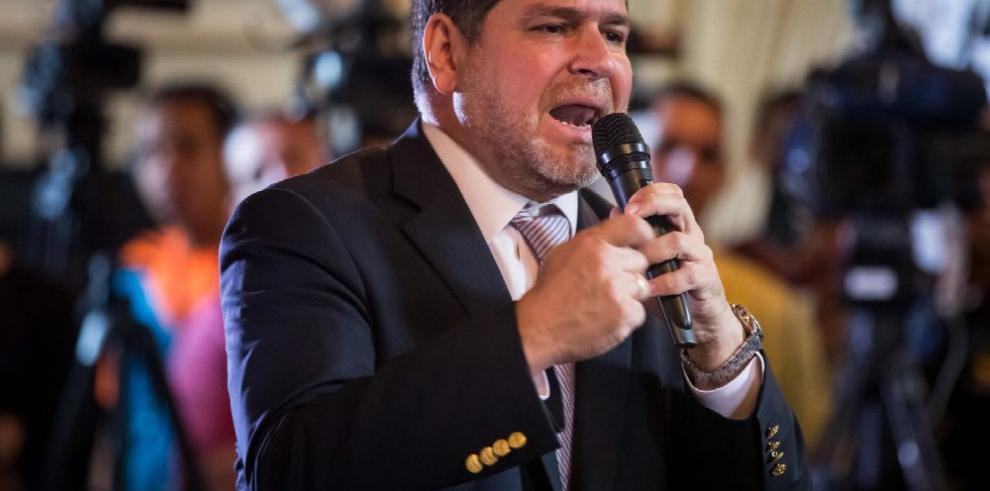 Parlamento venezolano, alerta ante represión
