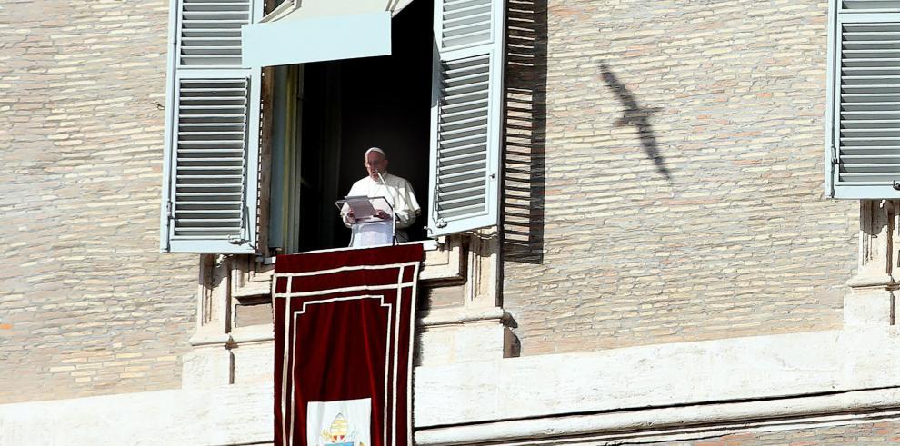 Papa critica la corrupción y rechaza marginar a los homosexuales