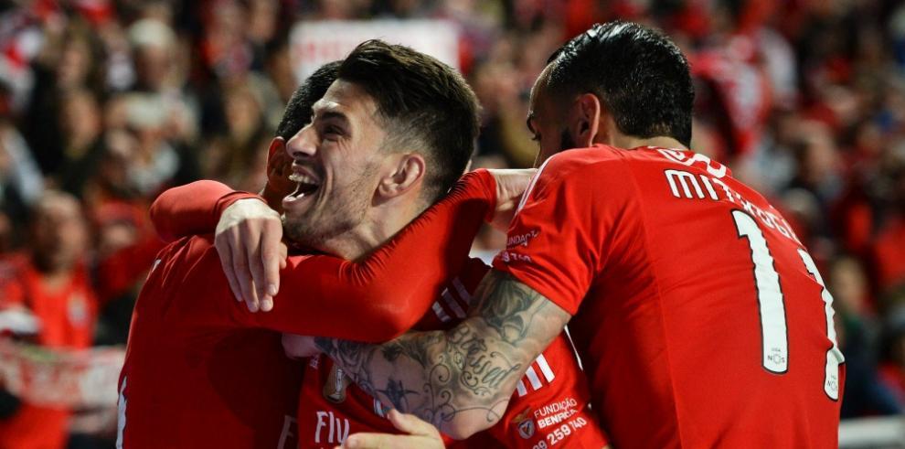 Benfica golea a Sporting de Braga y se acerca al título