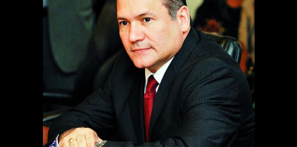 Harry Díaz pide evaluar viajes en la Corte Suprema