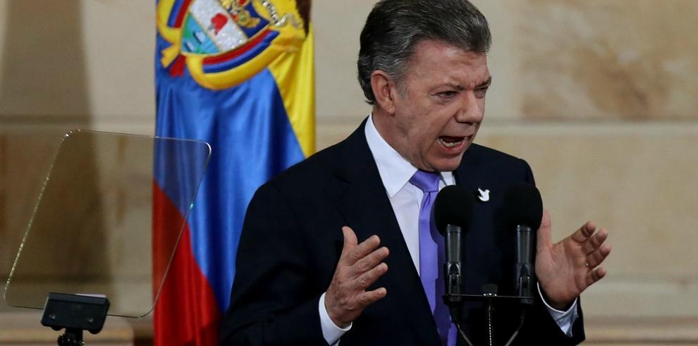 Santos llama a los colombianos a unirse en torno a la paz