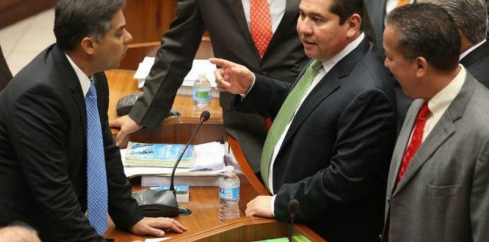 Mayoría legislativa define las comisiones