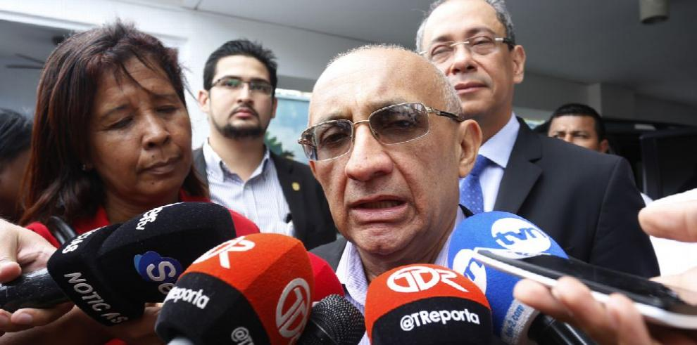 Junta Directiva solicita destitución de Idalia Martínez