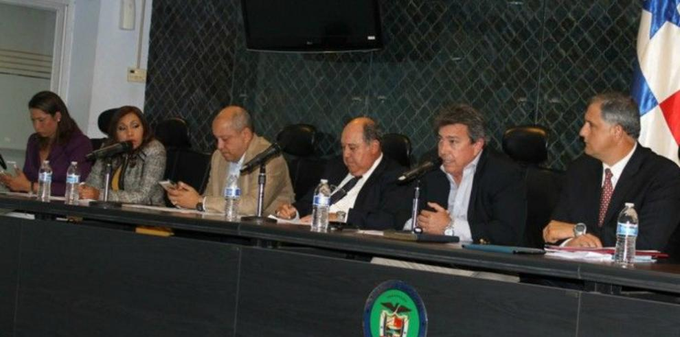 A segundo debate propuesta de ley que prohíbe publicidad en puentes