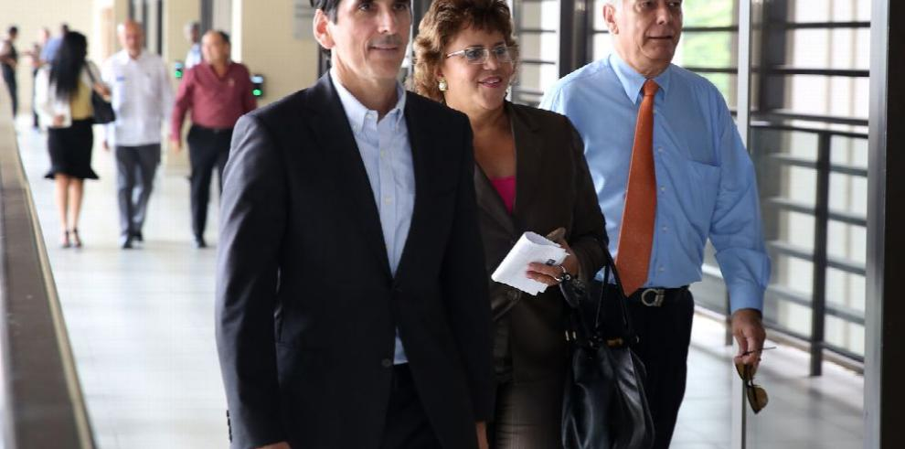 Alma Cortés desconoce la gestión de Roux