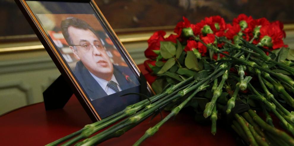 Expertos rusos viajan a Turquía para investigar asesinato de embajador
