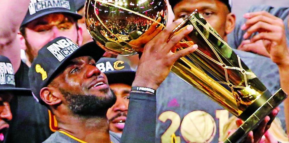 LeBron James brilló, Kobe dijo adiós y los Warrior logran récord