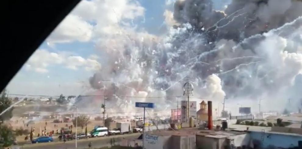 Explota una fábrica de pirotecnia en México y deja al menos 60 heridos