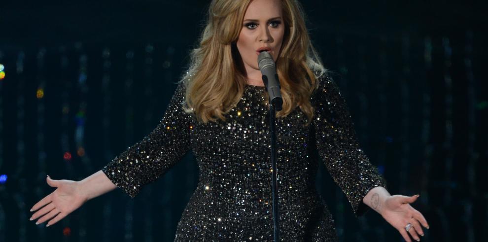 Adele se niega a que Trump use una de sus canciones en su campaña