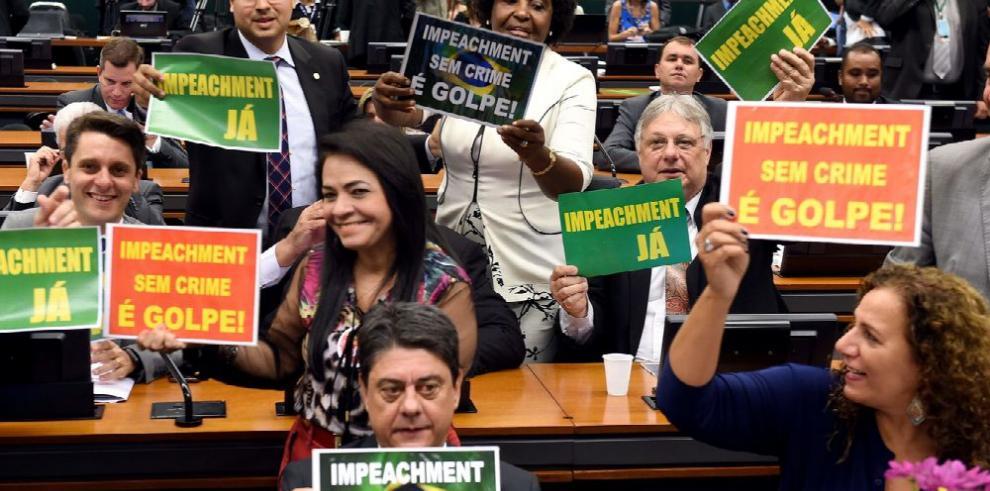 Juicio contra Rousseff se pasa al Congreso