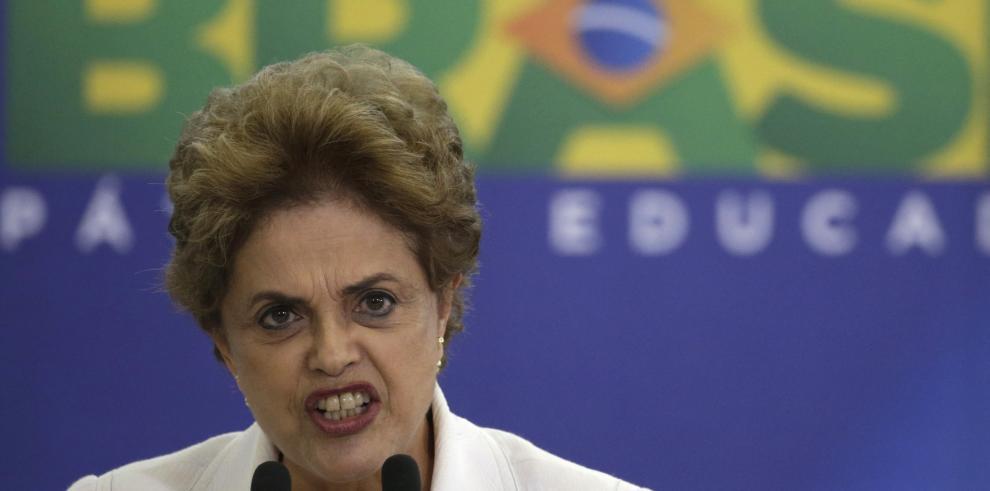 Diputados votarán el domingo pedido de impeachment contra Rousseff