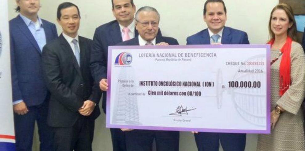 LNB entrega subsidio de $100 mil al Instituto Oncológico Nacional