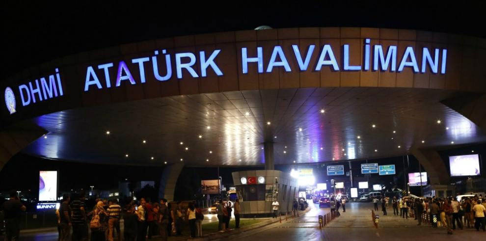 Turquía apunta al EI como probable autor de atentado de Estambul