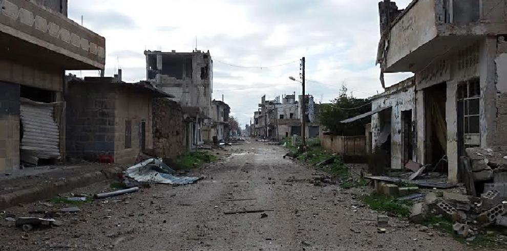 Convoy con ayuda humanitaria llega a la asediada Al Tal