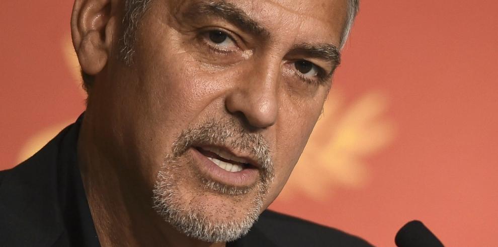 Clooney dice que Trump no será presidente y acusa a los medios