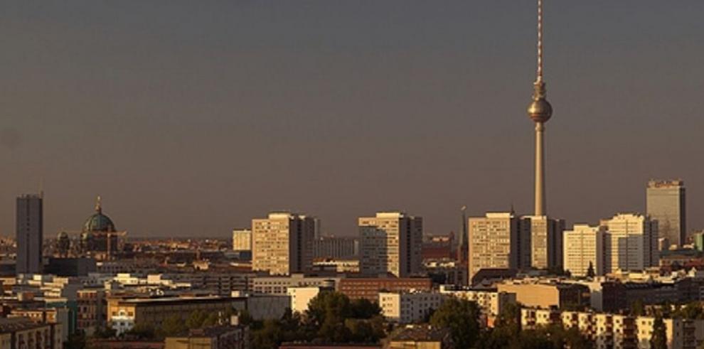 Alemanes del oeste se trasladan al Este de Berlín