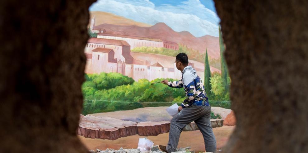 Artista pinta muros de un pueblo chino en 3D