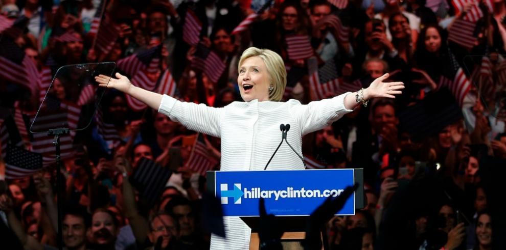 Clinton se impone a Sanders en las primarias demócratas de California