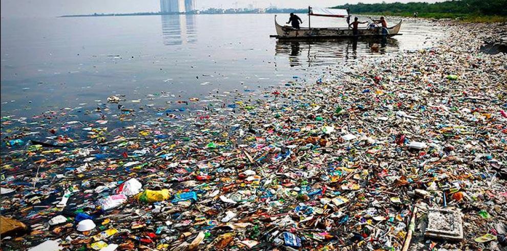 MiAmbiente trabaja propuesta para reducir consumo de plástico