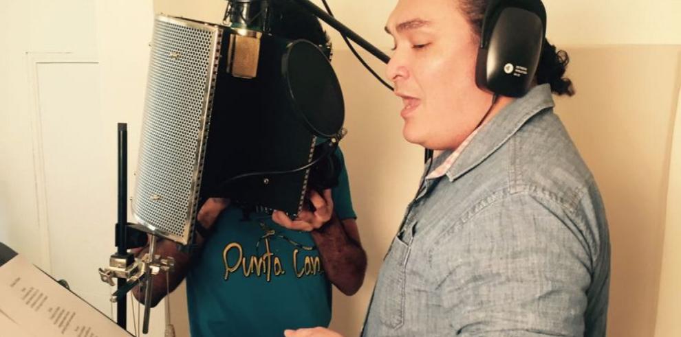 Panameños cantan por una noble causa