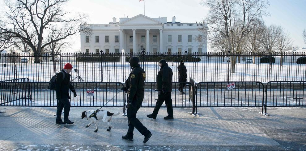 Washington se recupera de nevada en víspera de otra