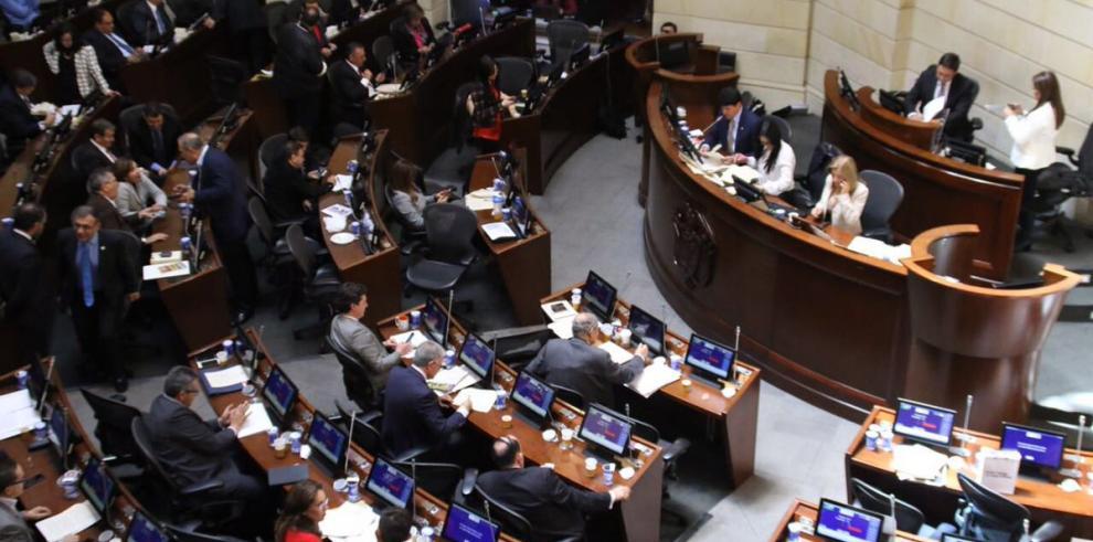 El Congreso de Colombia aprueba la Ley de Amnistía para las FARC
