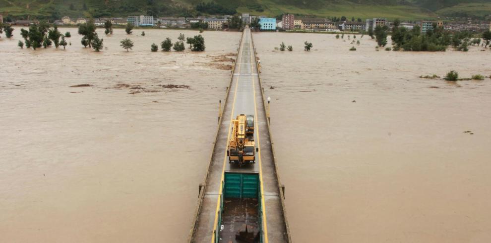 Cifra de muertos crece a 14 por tifón
