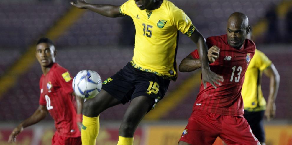 Panamá le gana 2-0 a Jamaica y pasa a la hexagonal