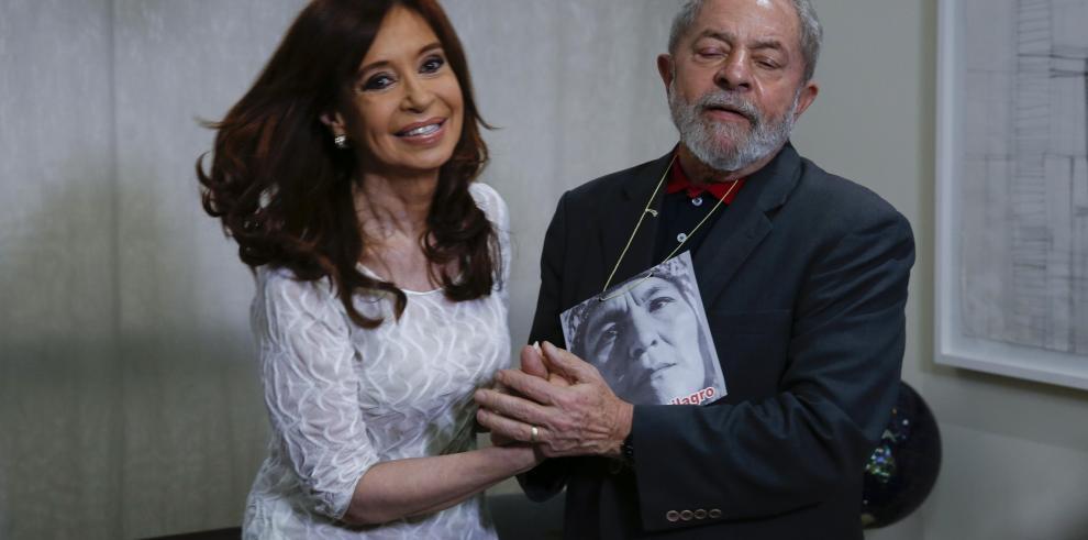 Lula lamenta sumisión de Brasil y Argentina a EEUU