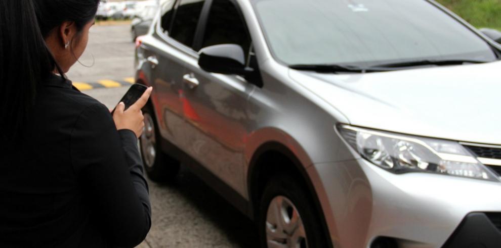 Conductores de Uber se declaran en paro