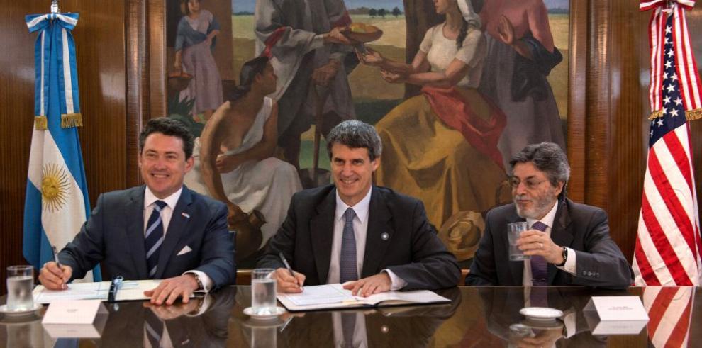 Argentina y EE.UU. firman acuerdo